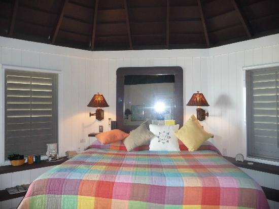 Compass Point Beach Resort: Elevated Sea View Room