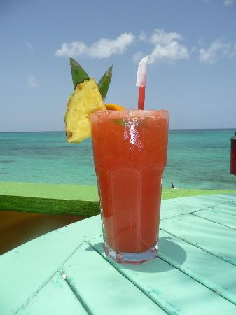 Compass Point Beach Resort: Refreshing Rum Punch Served at Compass Point