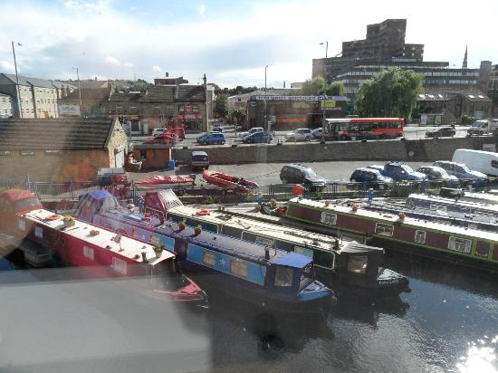 Premier Inn Huddersfield Central Hotel: Canal and barges snooker club