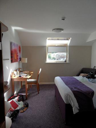 Premier Inn Huddersfield Central Hotel: Double room