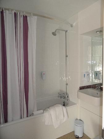 Premier Inn Huddersfield Central Hotel: compact bathroom with shower