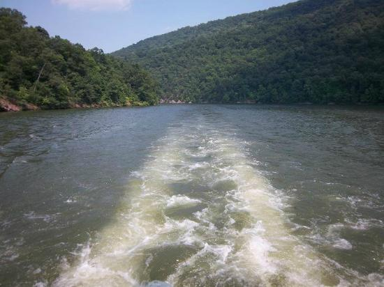 Lake Raystown Resort, an RVC Outdoor Destination: Wake behind Proud Mary