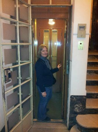 21 Aprile House: the rickety lift that we loved...all this closing double gates and so on....not much room tho'
