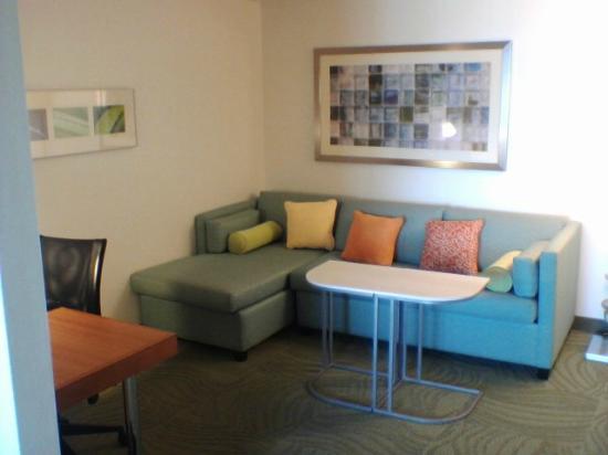 SpringHill Suites Phoenix Tempe/Airport: Living area
