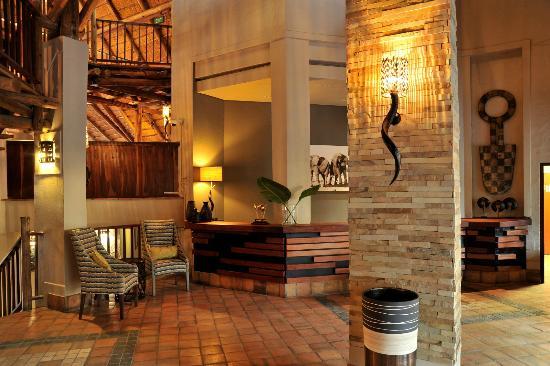 Victoria Falls Safari Lodge: Reception