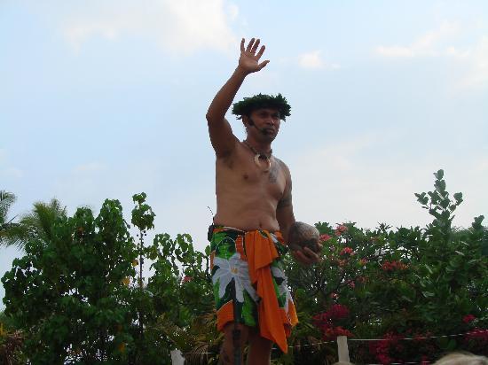 Island Breeze Luau: luau coconut opening