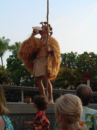 Island Breeze Luau: welcoming the royal procession