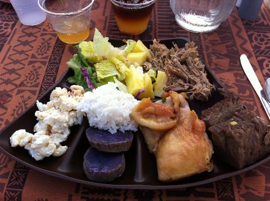 Island Breeze Luau: The food