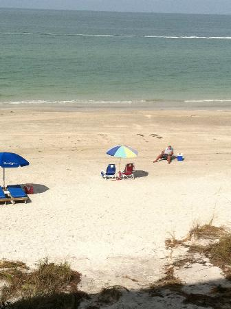 Kima Condominiums Madeira Beach: View from our balcony