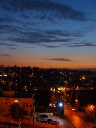 คอมโมดอร์ โฮเต็ล เจรูซาเล็ม: 夕方、部屋から旧市街の眺め
