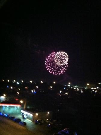 ‪‪Cherokee Lodge Condos‬: Fireworks View from Balcony