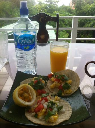 Peace of Paradise: Enjoying our breakfast on our balcony.