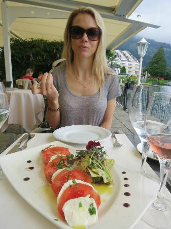 Zee Restaurant: tomato mozerella salad