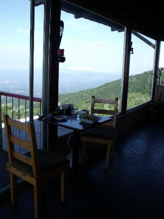 Poas Lodge and Restaurant : View from Dining Area