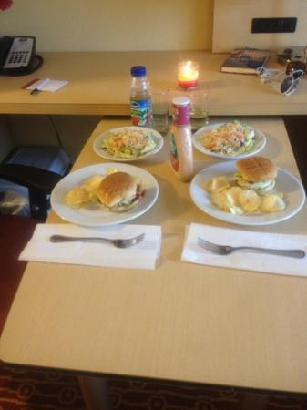 TownePlace Suites Scranton Wilkes-Barre : meal we prepared in our room with full kitchen