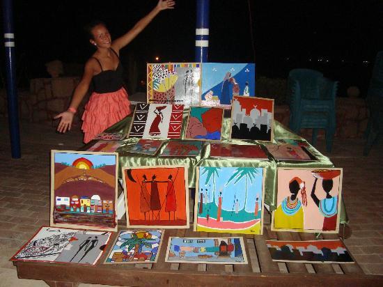 Carnelia Beach Resort: i quadri di Martina