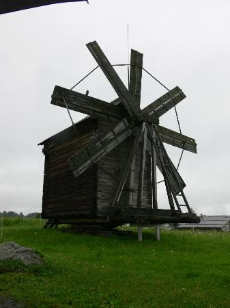Boat Trip to Kizhi Island : An old wooden windmill.