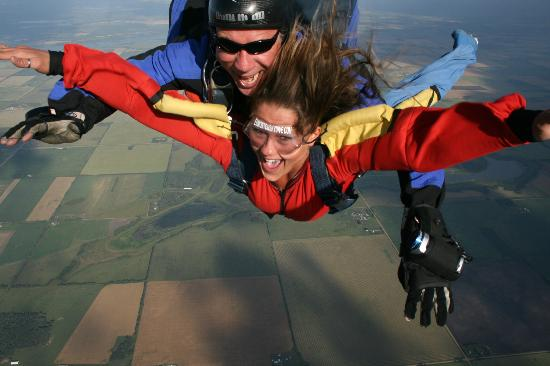 Edmonton Skydive: First Tandem Skydive From 13,000'
