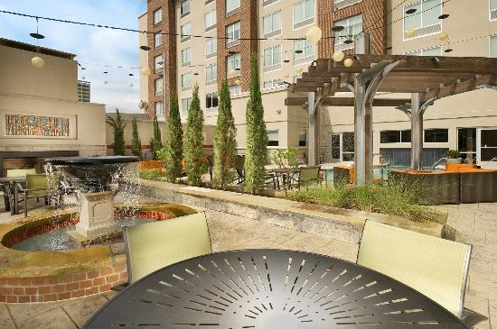 Hampton Inn & Suites Chattanooga / Downtown : Pool