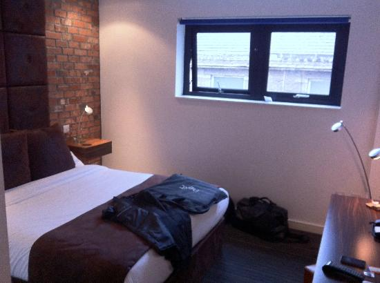 Bauhaus Hotel: Room