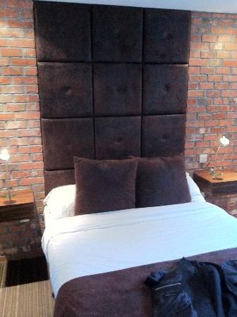 Bauhaus Hotel: Bed