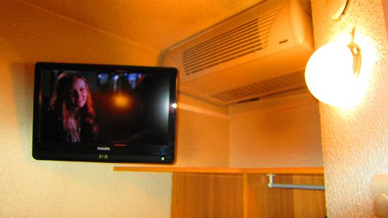 Premiere Classe Avignon Nord - Le Pontet: TV and air-con
