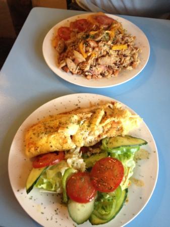 Sweetmeats Tea Rooms: Jambalaya and provencale omelette - yum!