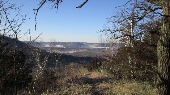Turning Waters Bed, Breakfast and Adventure : Hiking in Bluff Country