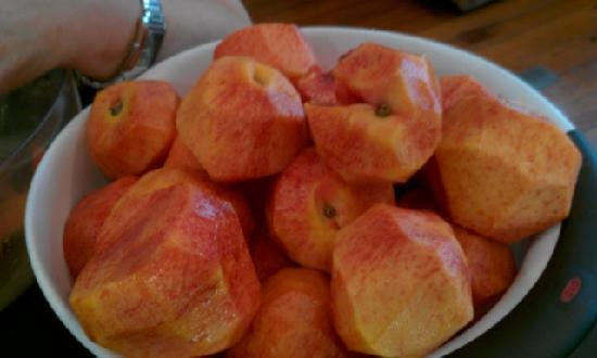 Magnolia : Peaches for the peach soup.