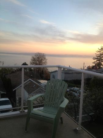 Star of the Sea B&B: Sunset- Lovely view from patio
