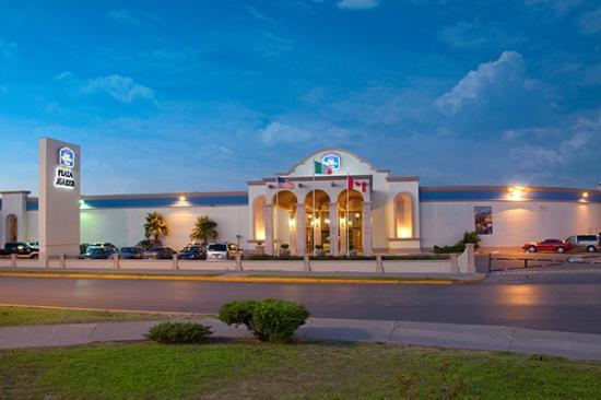 Hotel Plaza Juarez: El mejor servicio y millones de sonrisas solo las podras encontrar aqui