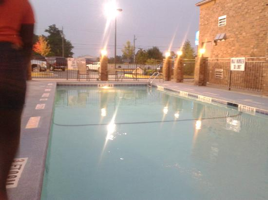 Comfort Inn & Suites Near Fort Gordon: Pool Area nice!