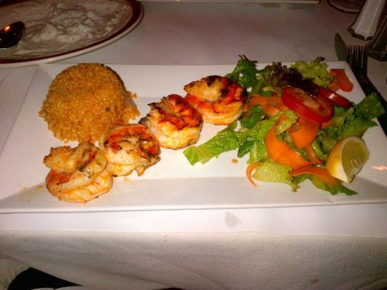 Smyrna Mediterranean Turkish Restaurant: Shrimp Kebab served with salad and bulgar pilaf - all delicious!