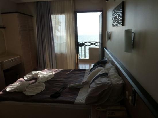 IDEE Hotel: oceanside room