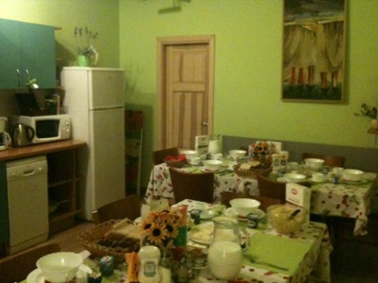 In Astra B & B: Dining room/Kitchen
