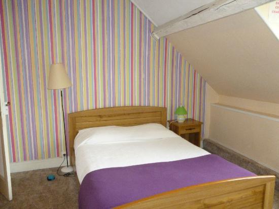 Hotel Henri 4 : Bright and cheerful