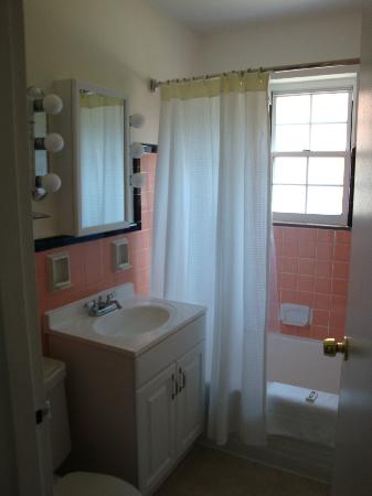 Shadyside Inn All Suites Hotel: Bathroom