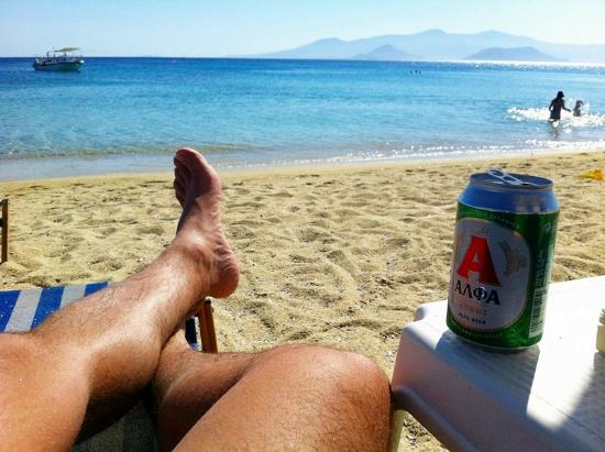 Agios Prokopios Hotel : That's paradise! relax with a beer in Agios Prokopios Beach