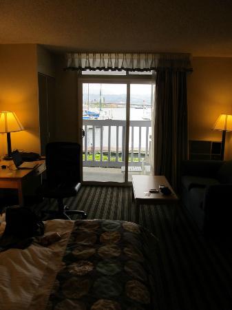 Marina Village Inn : Room with view