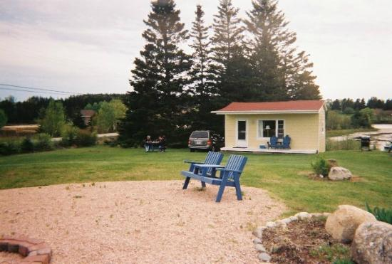 Atlantic View Motel & Cottages: Our cottage