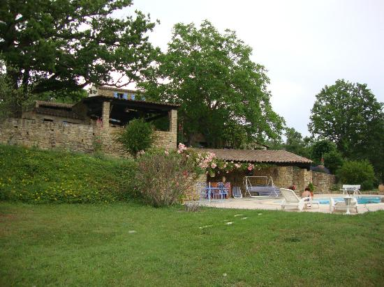 Domaine de Mournac: Garden and swimming pool
