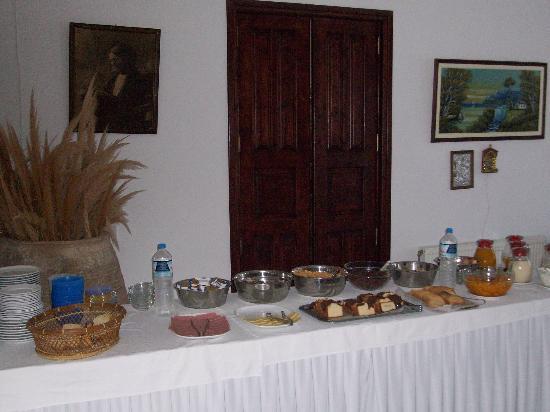 New Haroula Hotel: breakfast buffet