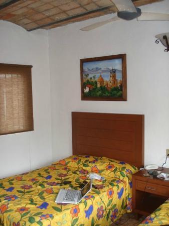 Hotel Posada de Roger: Room Bed