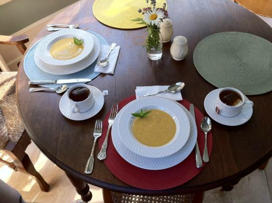 Juniper Hill Bed & Breakfast: Peach Mint Soup