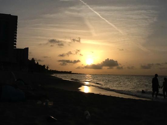 Sunrise Beach Clubs and Villas: Sunset on Paradise Island