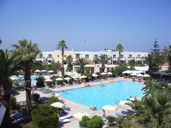 Tigaki Beach Hotel: the pool
