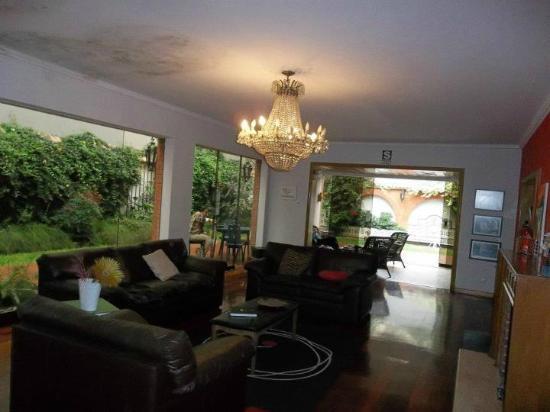 HQ Villa Hostel: Salón