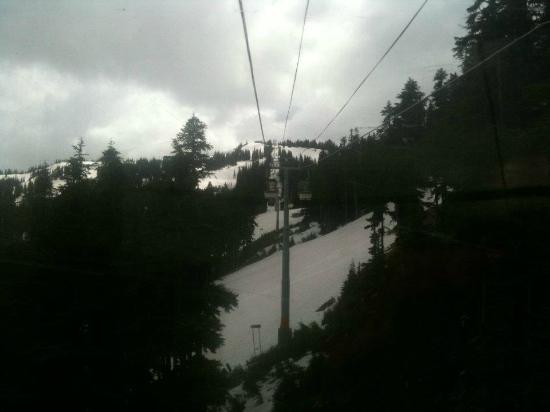 Whistler, Kanada: taking the gondola up
