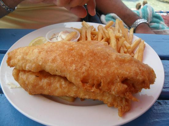 Hammerheads Brew Pub and Grill : The classic, fish and chips!