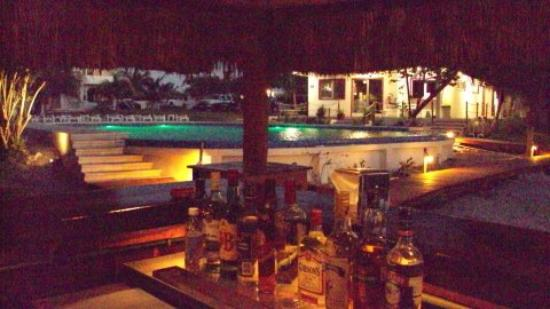 Marina Paraiso: Palapa Bar